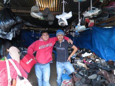グアテマラで銭湯にお宝が見つかる古着市に行ったら思わぬものを見つけた!?