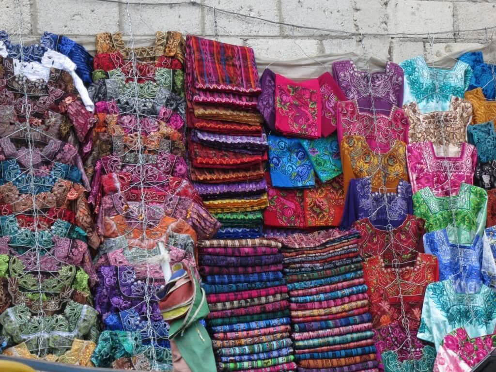 民族衣装(ウィピル) 生地 ミネルバ シェラ ケツァルテナンゴ グアテマラ