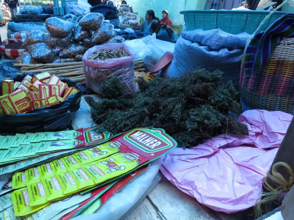 サン・フランシスコ村 メルカド 色々な物 グアテマラ