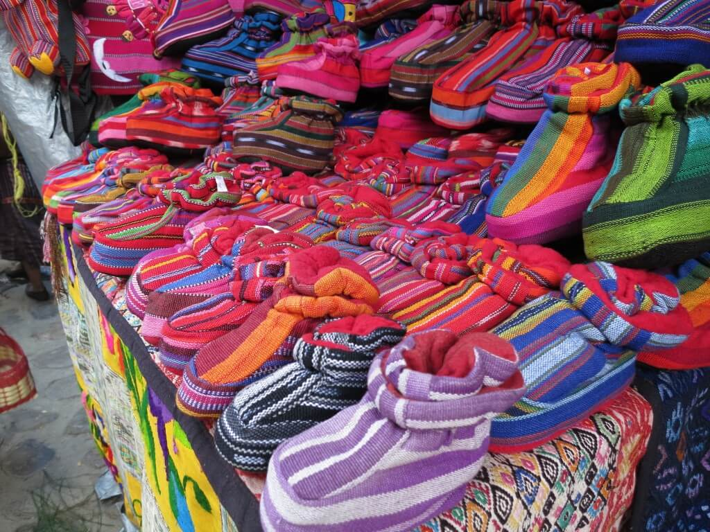 チチカステナンゴ 市 お土産 グアテマラ 赤ちゃん靴