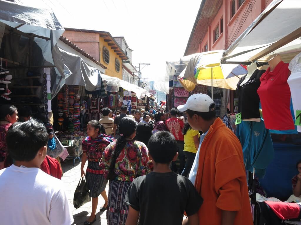 買い物欲は抑えれないぞ!チチカステナンゴの街でグアテマラのお土産を買うよ♪