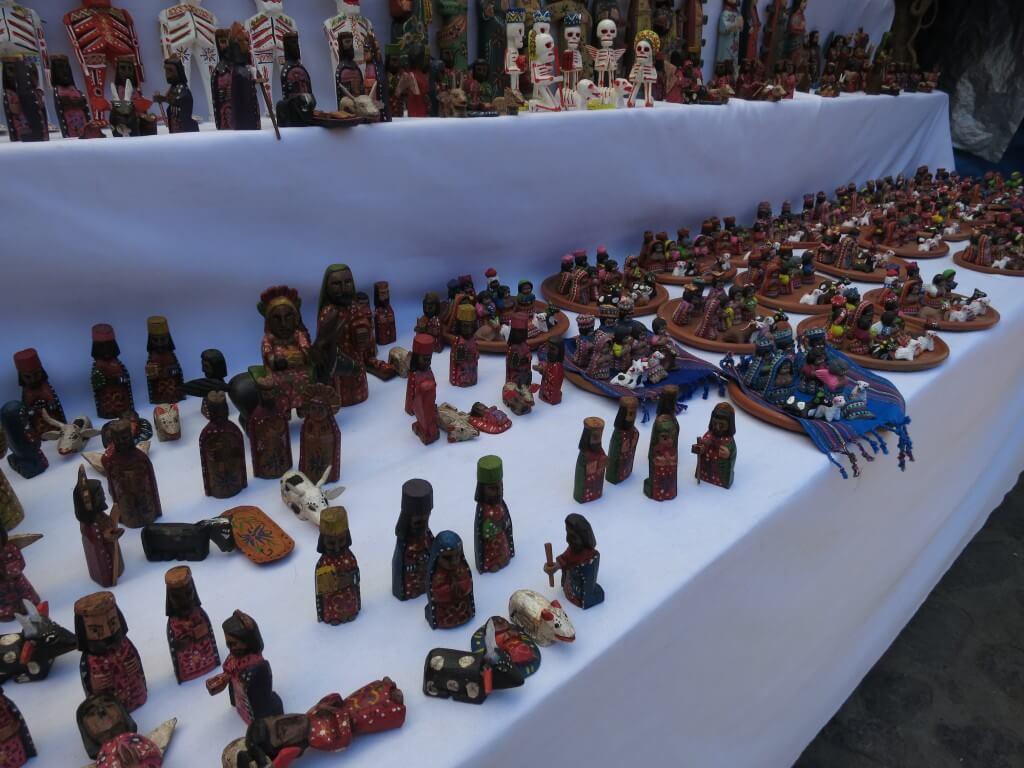チチカステナンゴ 市 お土産 グアテマラ 置物