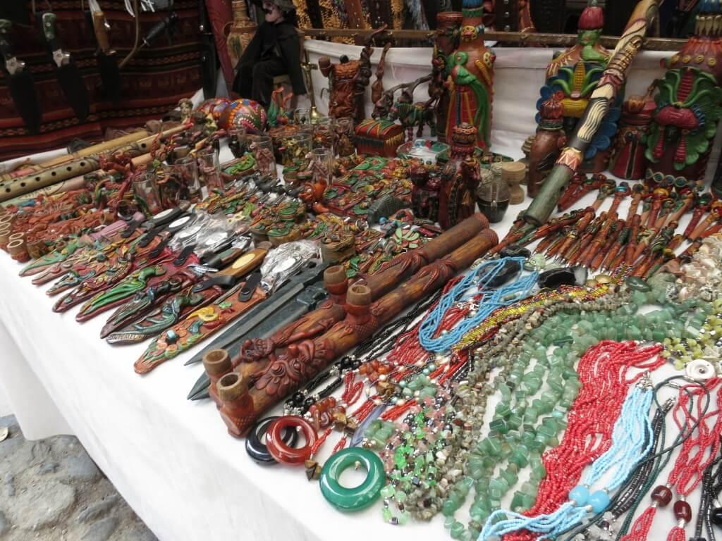 バラエティー豊かすぎのチチカステナンゴの市!ここでグアテマラのお土産を買わずにどこで買う!?