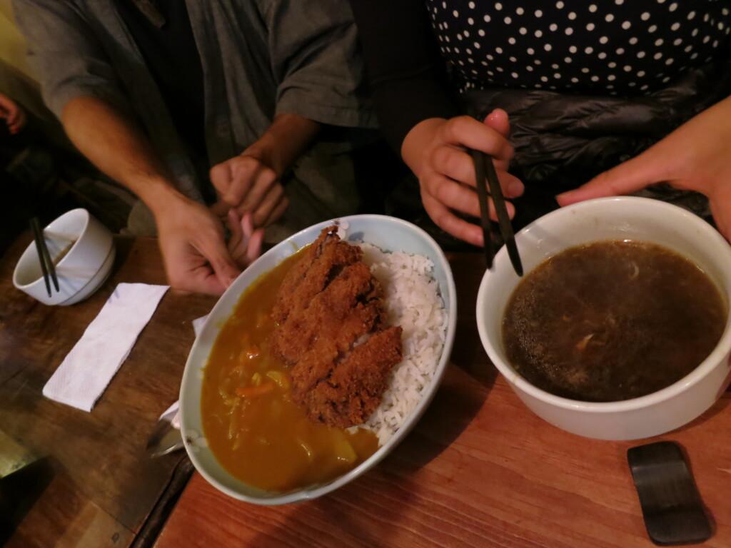 シェラの日本食レストランのからかさのカツカレー