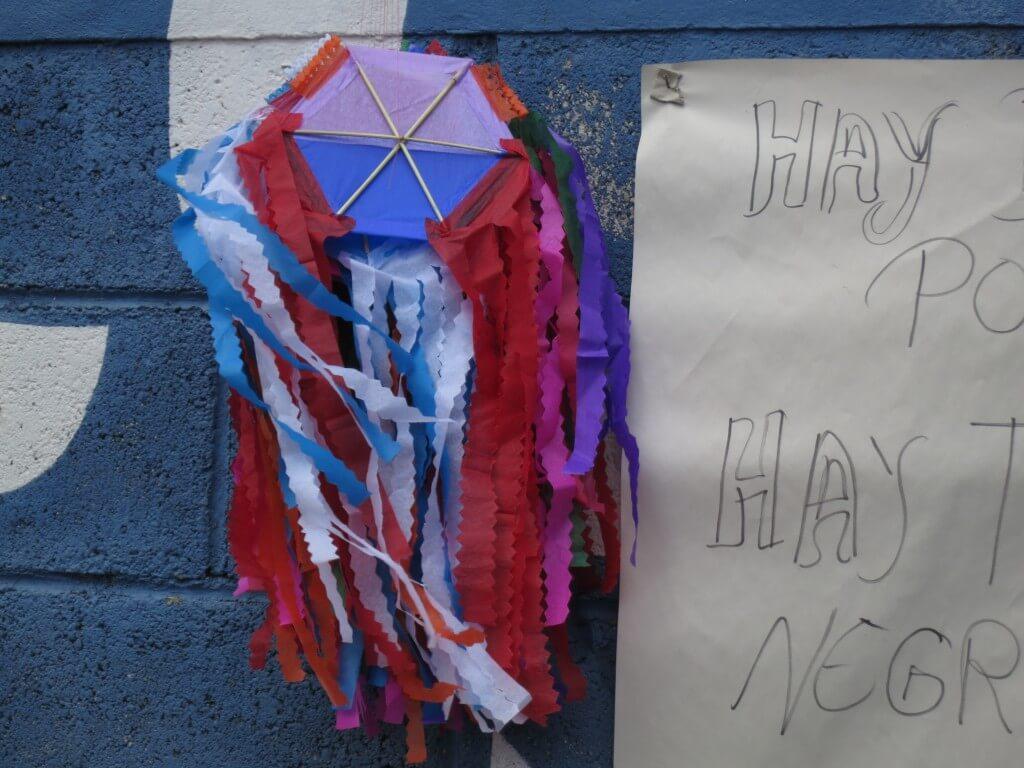 グアテマラのサカテペケスの死者の日イベントは「凧あげ祭り」観光!