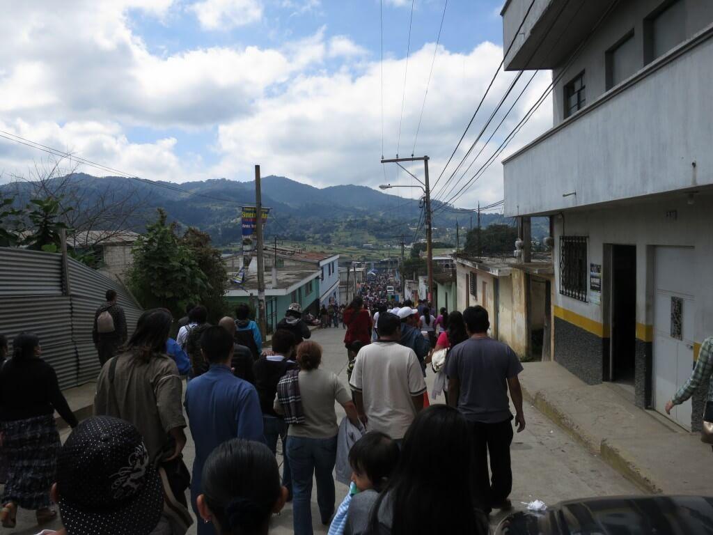 グアテマラでは「死者の日(Day of the Dead)」はサカテペケスで凧あげ祭り!?