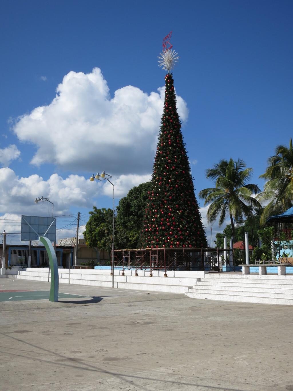 ティカル遺跡までのシャトルバス予約はフローレスの旅行会社「ポサダ・タヤサル」で!