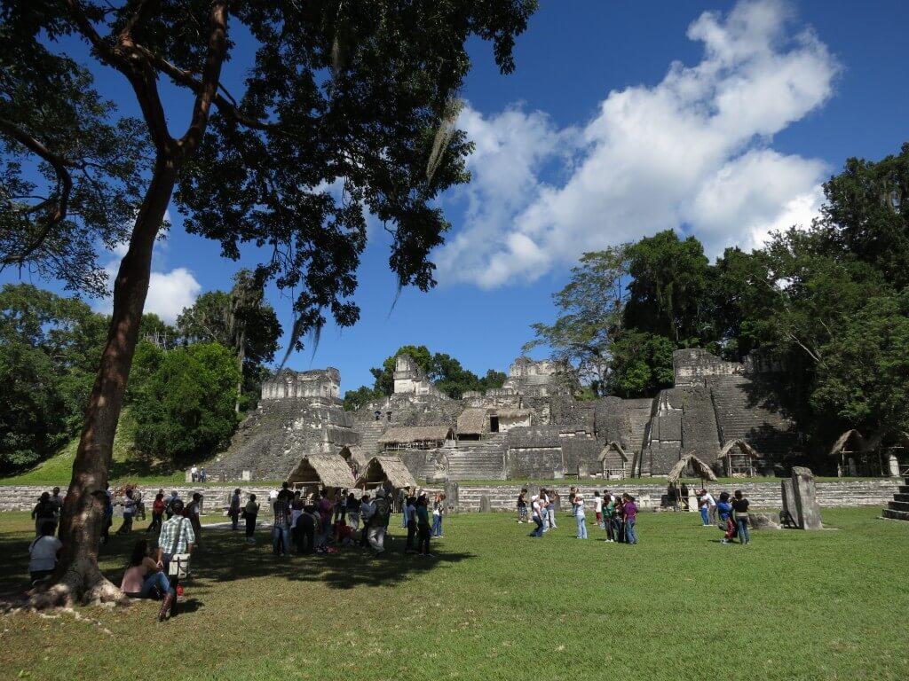 ティカル遺跡 スカイピアの神殿 くつろぎ空間 グアテマラ