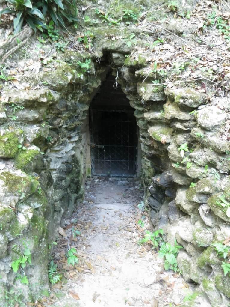 まだまだ不思議な洞窟や「Lost World」と続くティカル遺跡