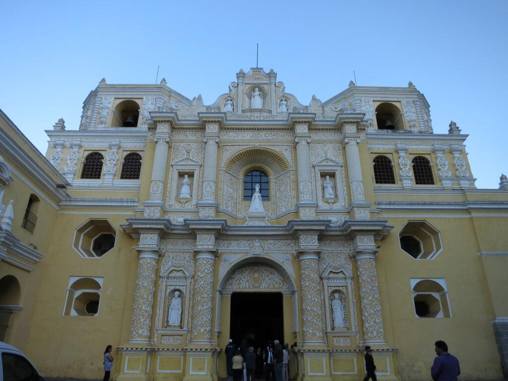 アンティグアの「ラ・メルセー教会」 特にこれと言って・・・(笑)