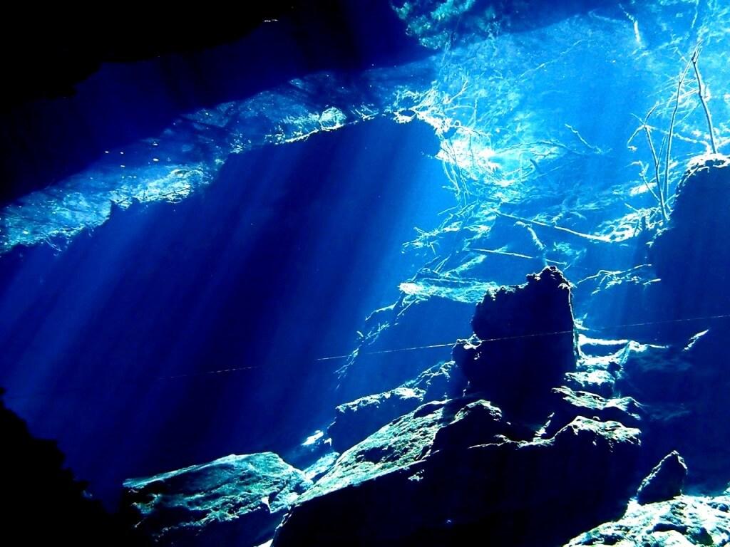 プラヤ・デル・カルメンはセノーテのダイビングの拠点の町!