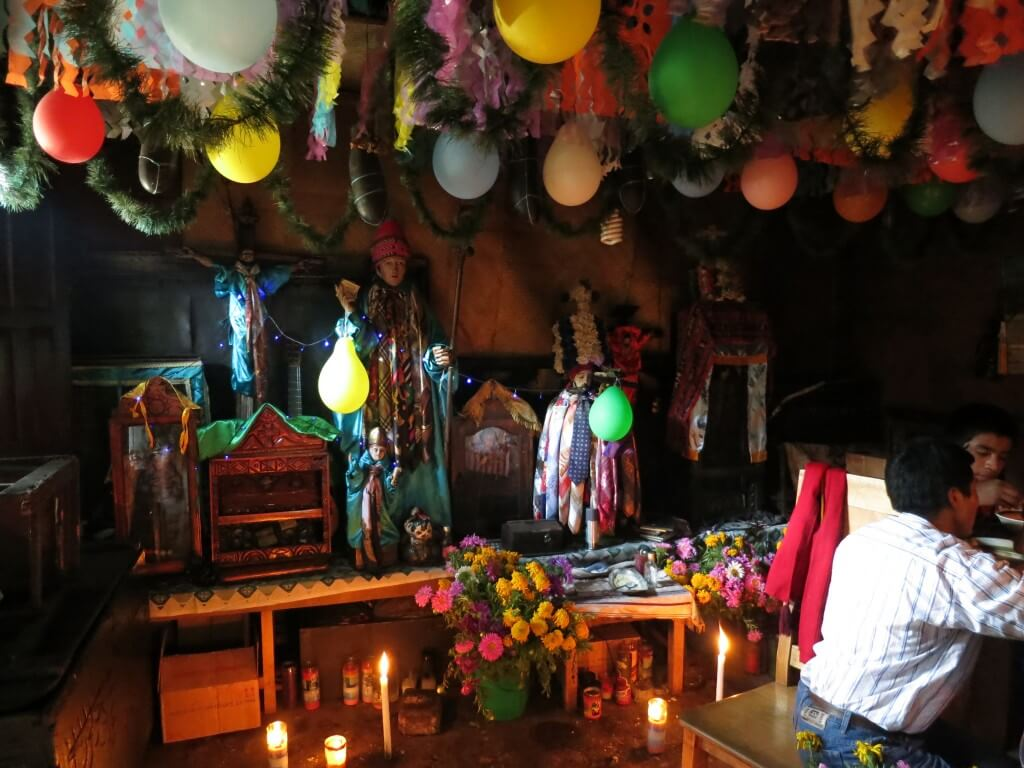 マシモン サンティアゴ・アティトラン村 民家 グアテマラ