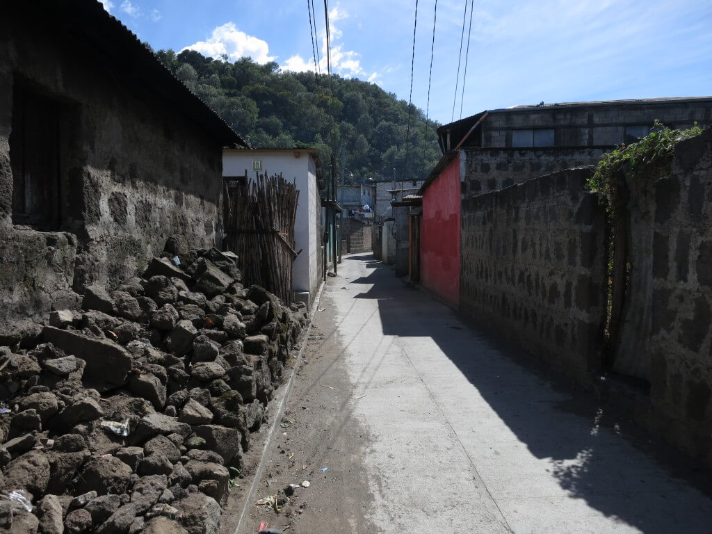 サンティアゴ・アティトラン村の土着神 マシモンとは?