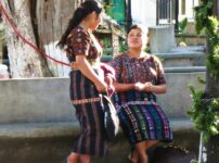 アティトラン湖を観光!サンティアゴ・アティトラン村とソロラ村でマシモンに民族衣装は必見です
