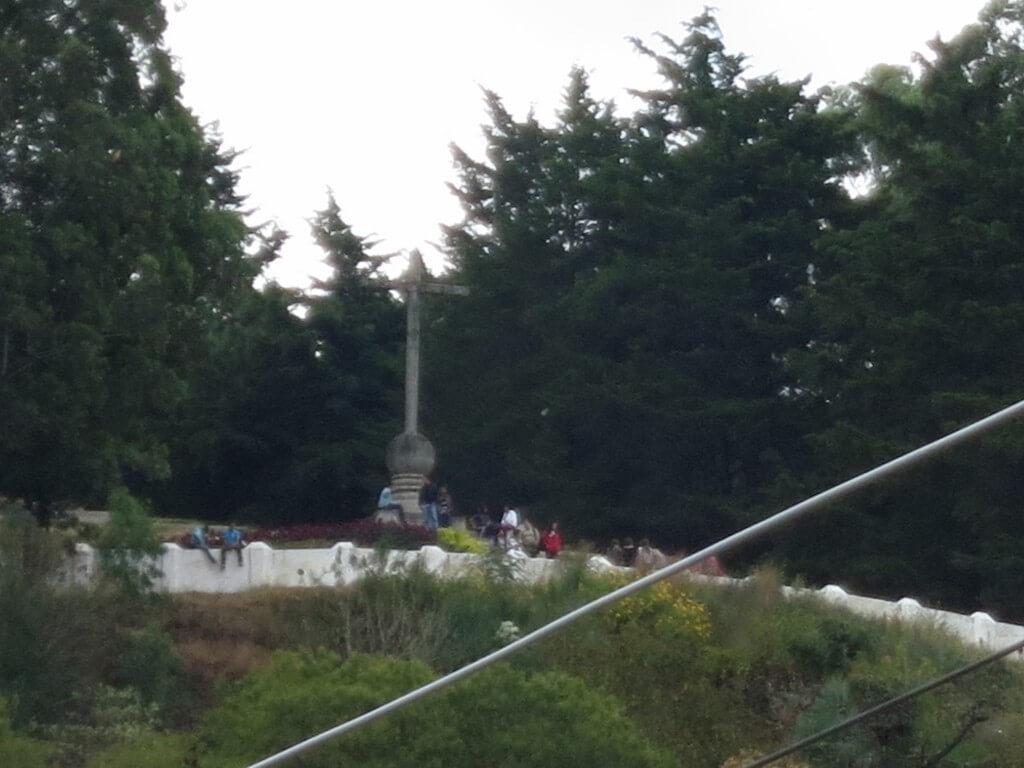 アンティグアの十字架の丘 警察同行ツアー グアテマラ 危険