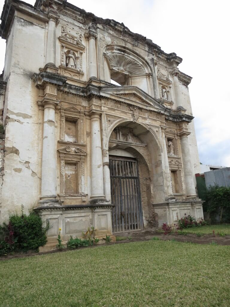 アンティグア 教会 廃墟 グアテマラ
