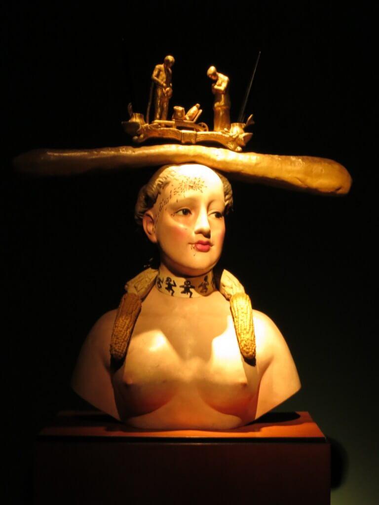 ボテロ博物館 太い 面白い ボゴタ コロンビア