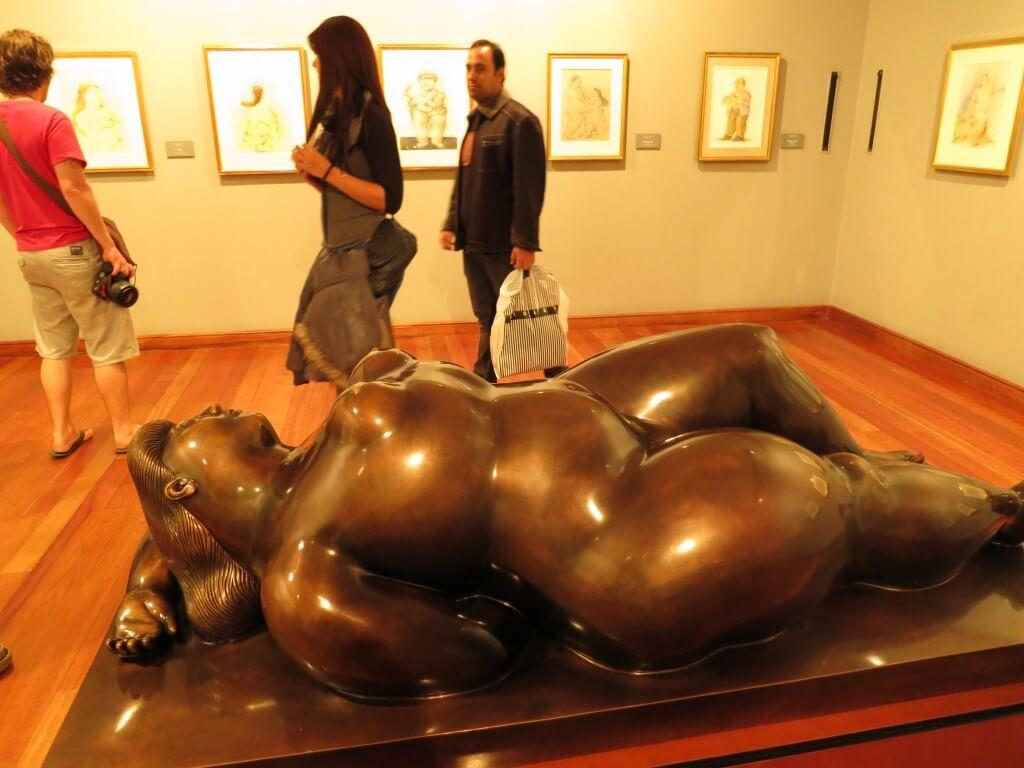 彫刻 ボテロ博物館 太い 面白い ボゴタ コロンビア
