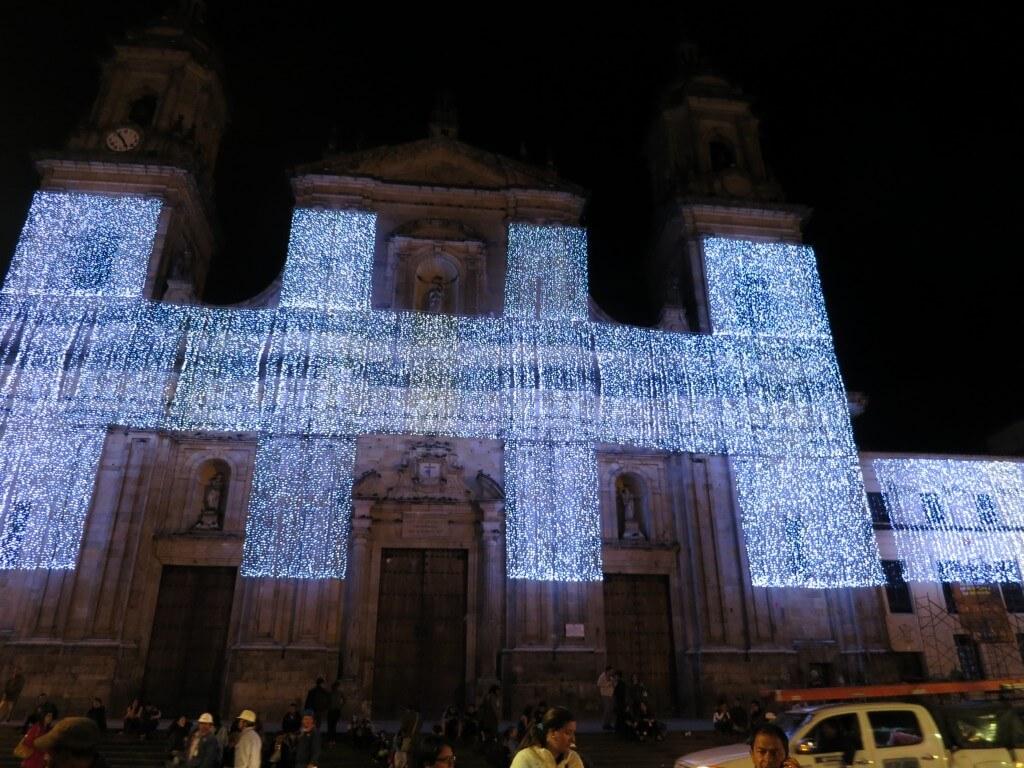 ボゴタ 旧市街 広場 ライトアップ