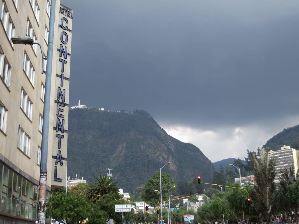 11月のコロンビアって天気が悪すぎですよ!雨強いわ!