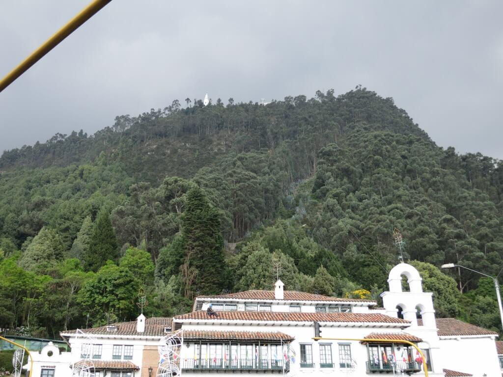 標高3,160メートルの世界へ気軽にいける「モンセラーテの丘」へ!