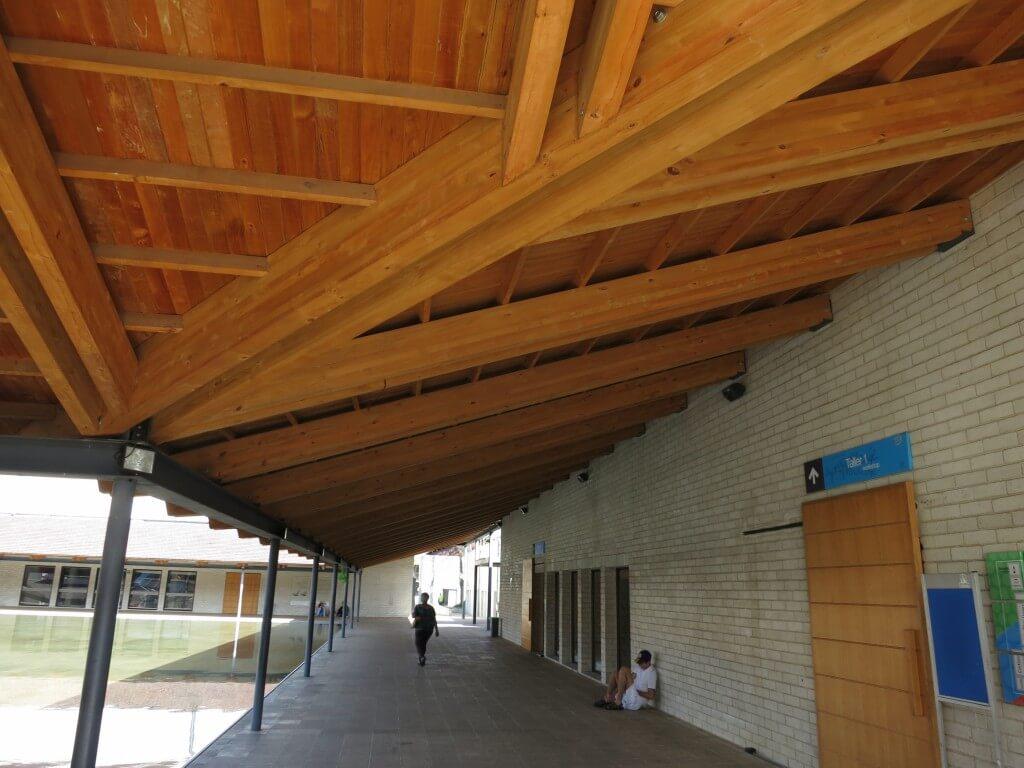 東京大学の寄付で!!メデジンに日本の建物が!!剣道という文化だ!!