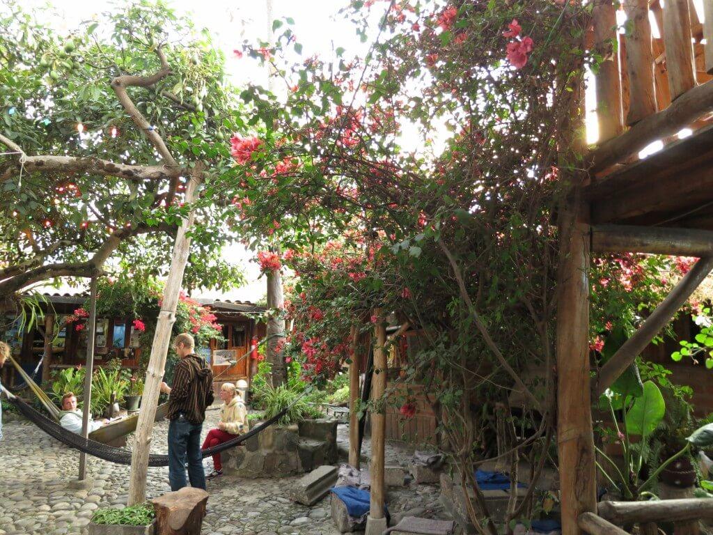 オタバロの快適な宿 Hostal Valle del Amanecer(ホステル ベラ デル アマネセル)