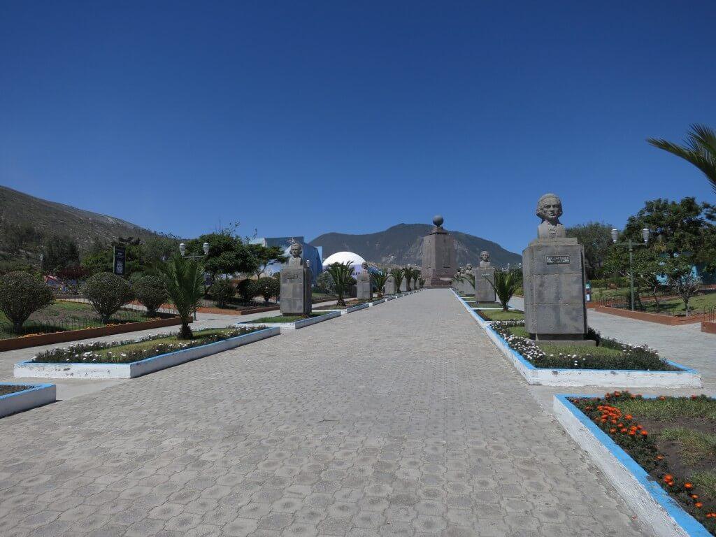 赤道記念碑(Mitad del Mundo) エクアドル