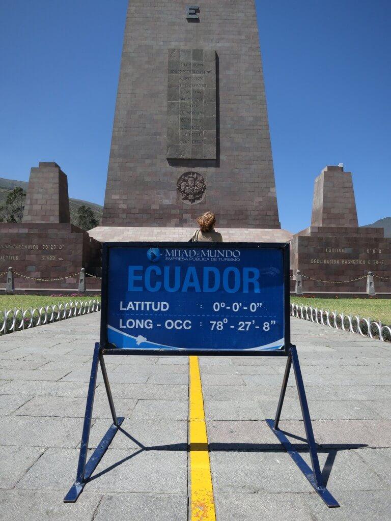 赤道記念碑(Mitad del Mundo)