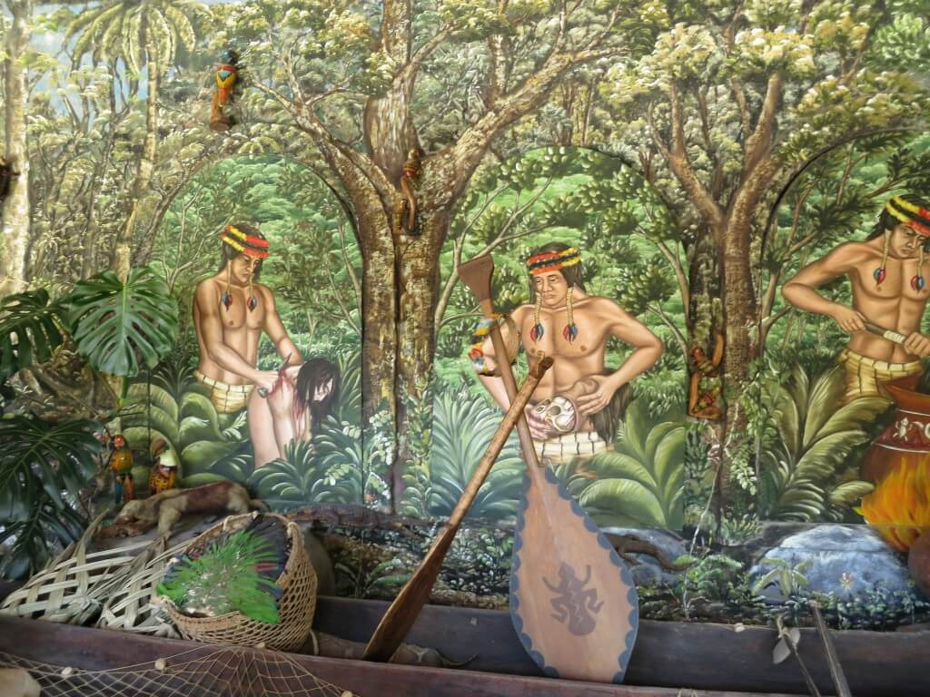 首狩り族 赤道ミュージアム(Museo Solar Inti-nan) エクアドル