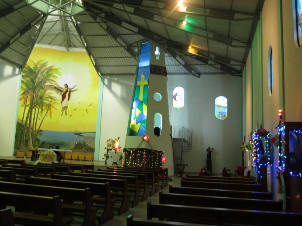 教会 イサベラ島 ステンドガラス ガラパゴス諸島