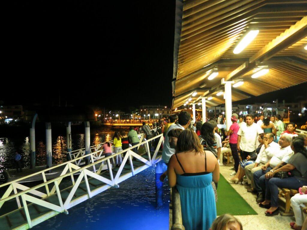 いよいよ2012年の終わりをガラパゴス諸島にて・・・カウントダウンスタート!