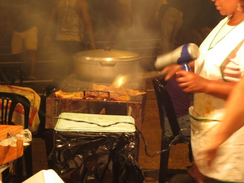 サン・クリストバル島の街を観光!!変わったお店、レストラン、カフェがいっぱい!?
