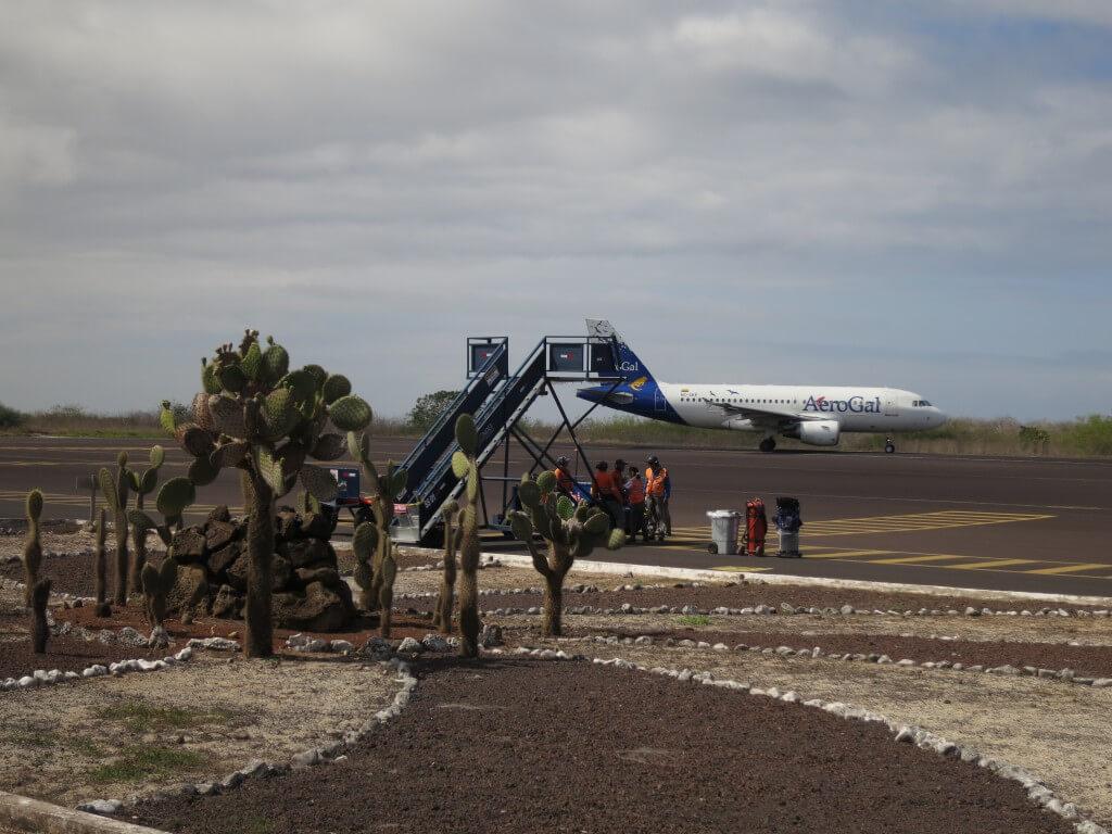 ガラパゴス諸島 AeroGal航空 アエロガル航空
