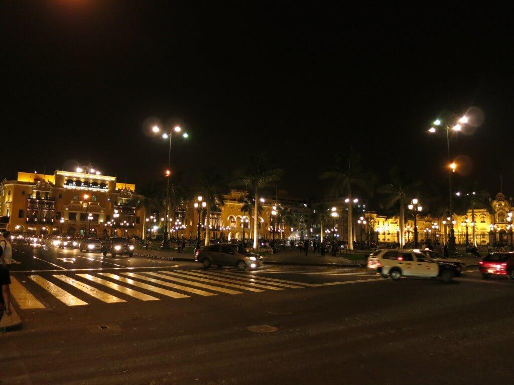 ライトアップ アルマス広場 リマ ペルー 旧市街