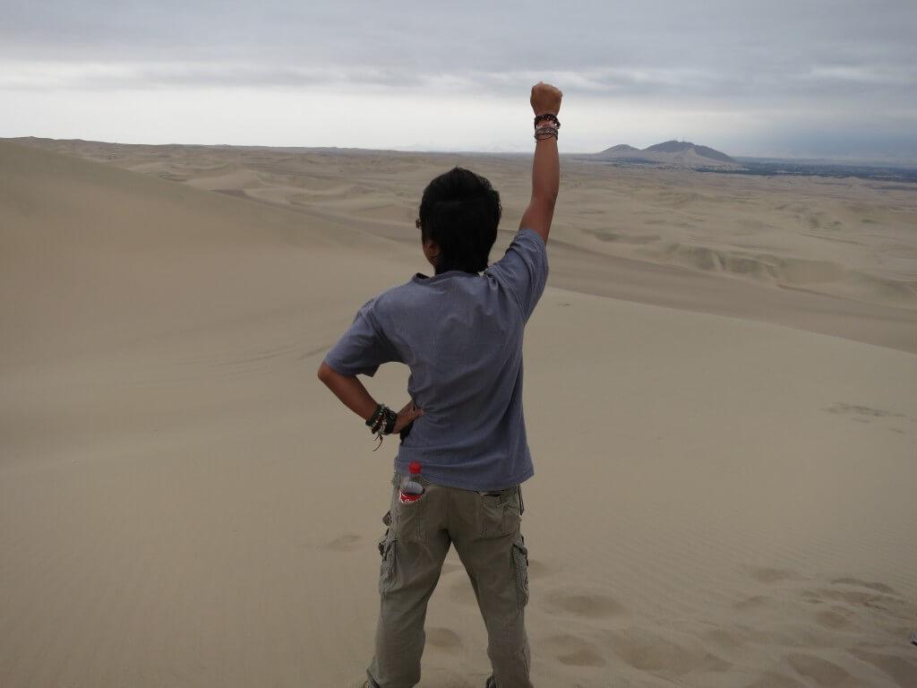 オアシスの街ワカチナでサンドボードにバギーで砂漠を遊びつくせ!