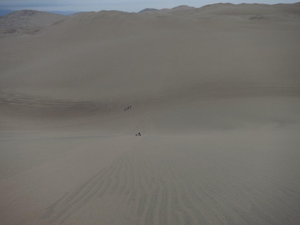 サンドバギー サンドボード ワカチナ オアシス 砂丘 イカ ペルー
