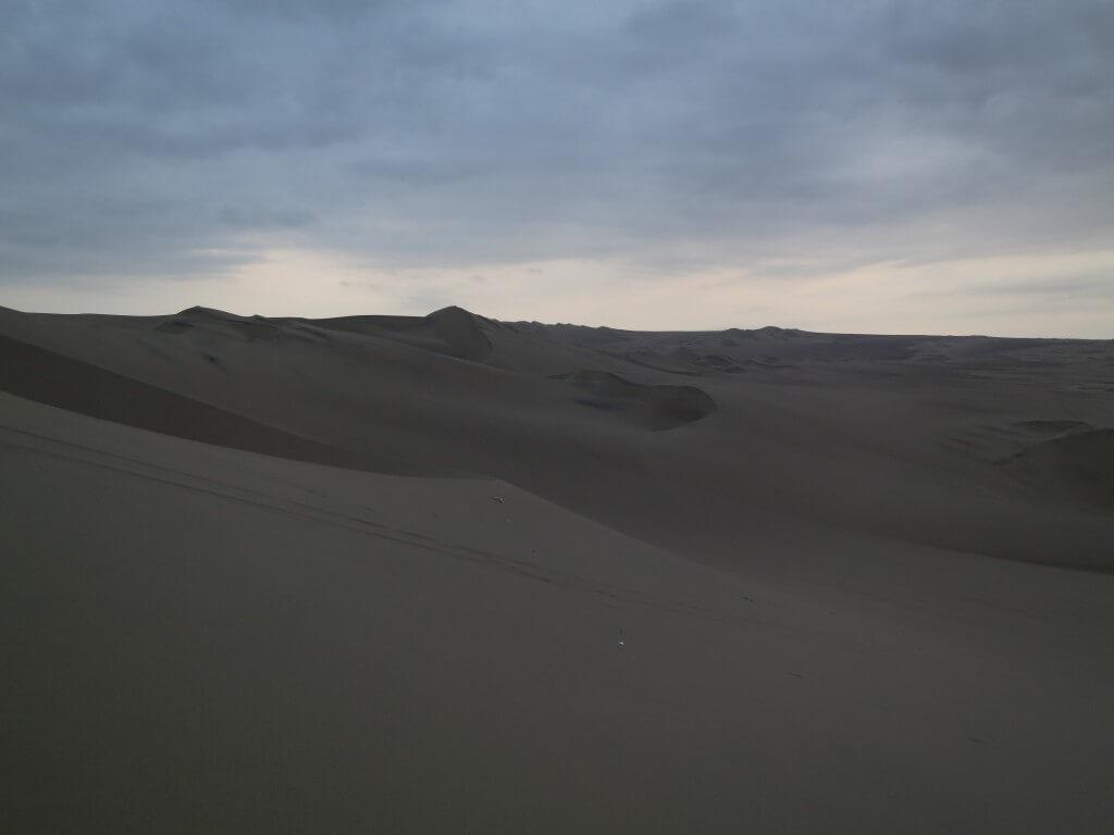 ワカチナ サンセット サンドバギー サンドボード ワカチナ オアシス 砂丘 イカ ペルー