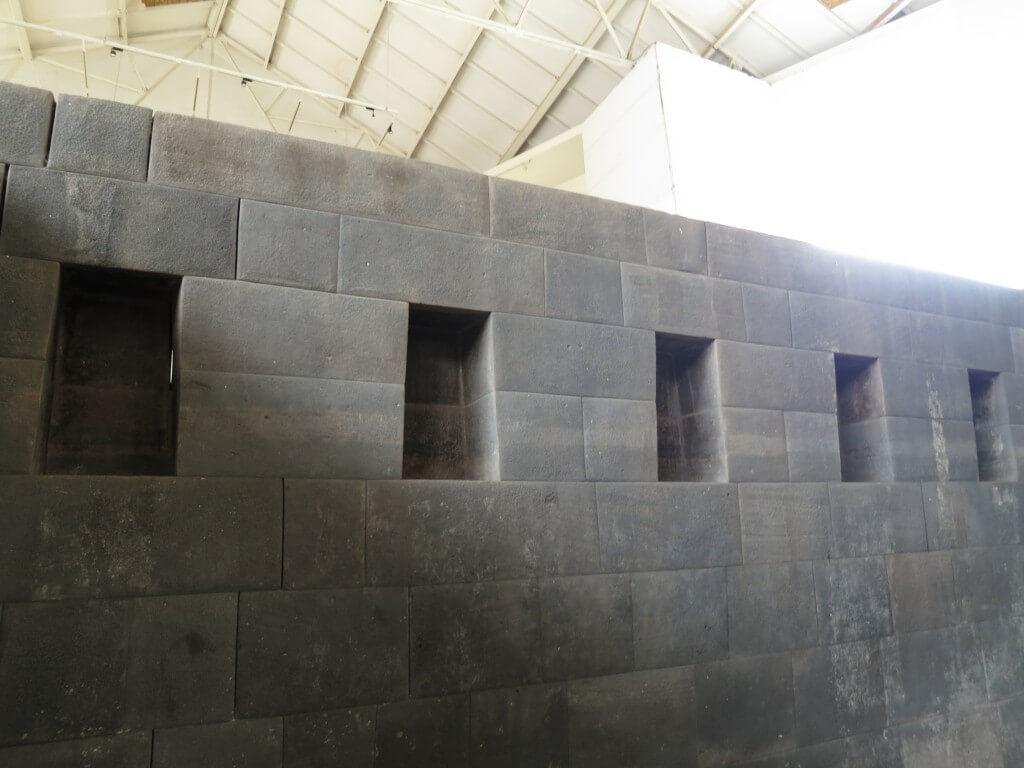 サント・ドミンゴ教会 クスコ 黄金 ペルー インカ文明