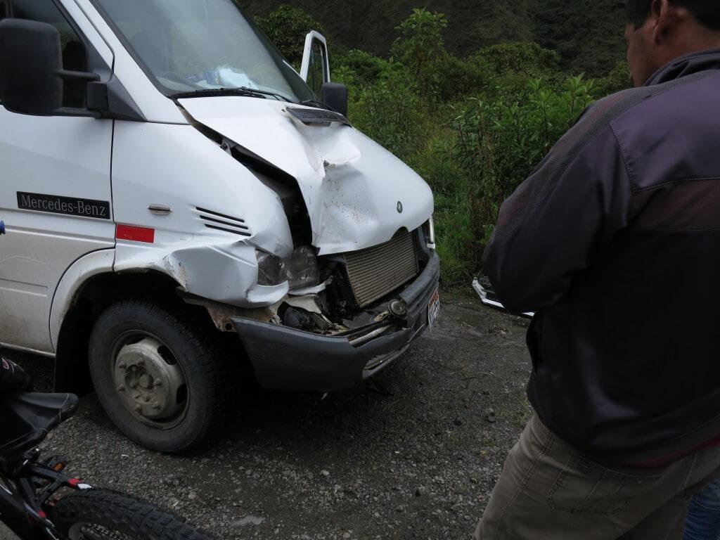 マチュピチュ コレクティーボ 事故 ペルー