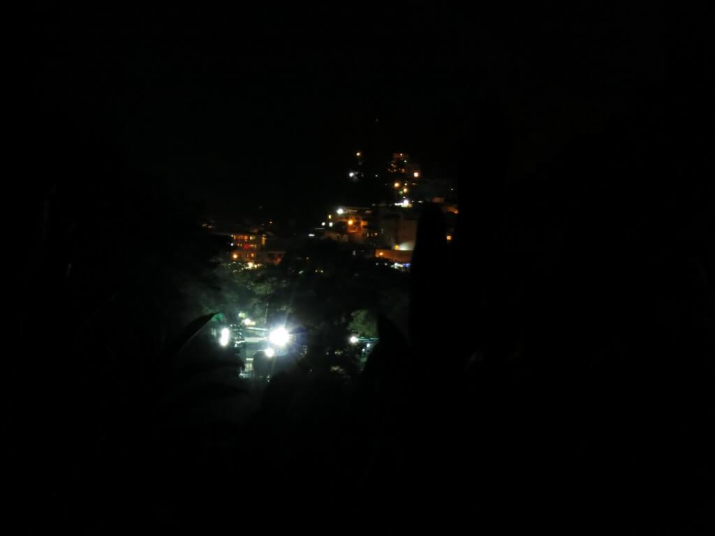 真っ暗闇になるスタンドバイミーの世界!マチュピチュ村まで着けるのか!?