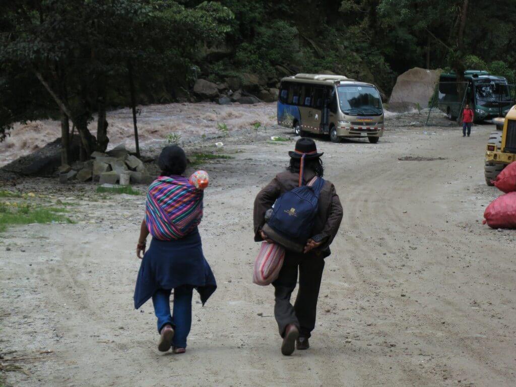 マチュピチュ村 地元の人 民族衣装
