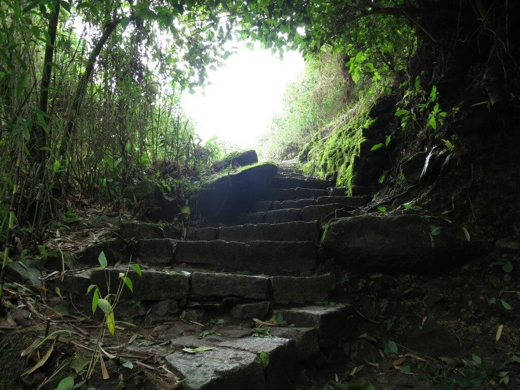 マチュピチュ遺跡 登山道 きつい トレッキング