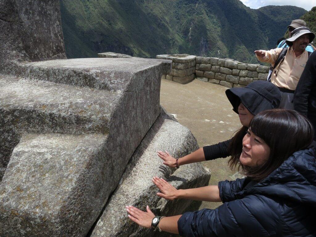インカのパワーストーン マチュピチュ遺跡 ワイナピチュ ペルー