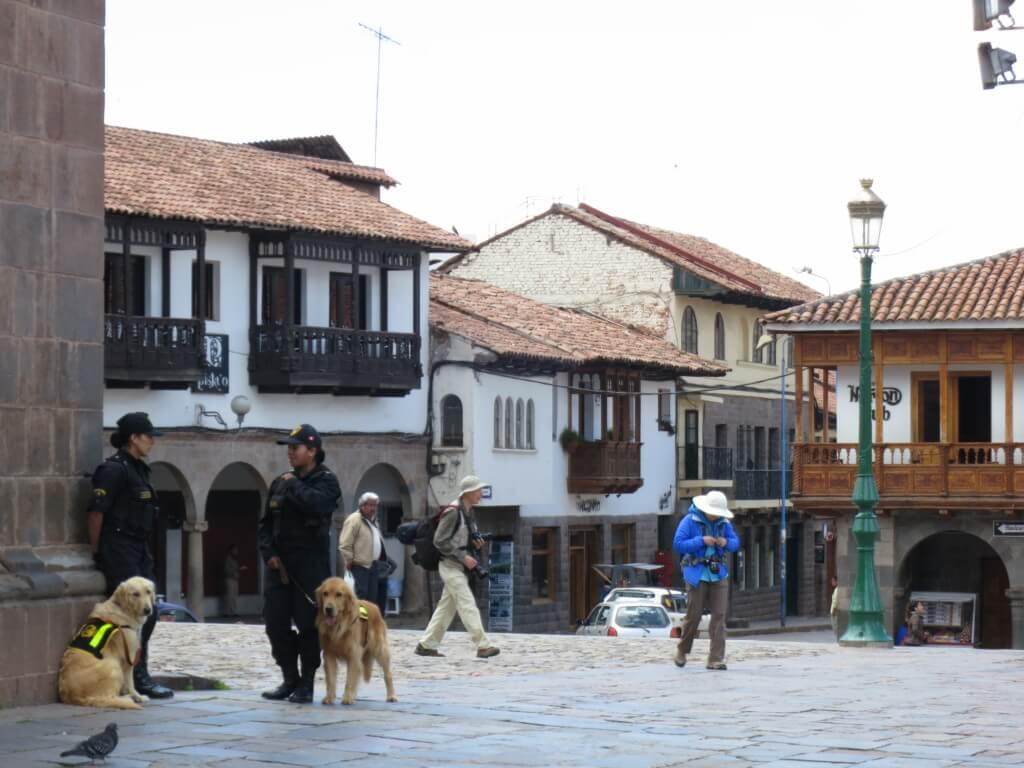 ペルーの治安は大丈夫なの?主要な観光地にはツーリストポリスがいる