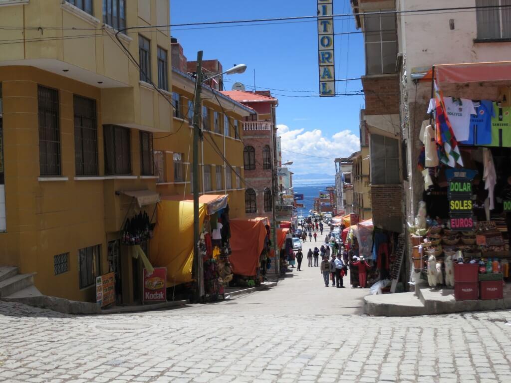 世界一周の旅 50カ国目ボリビア!コパカバーナでトゥルーチャに太陽の島!