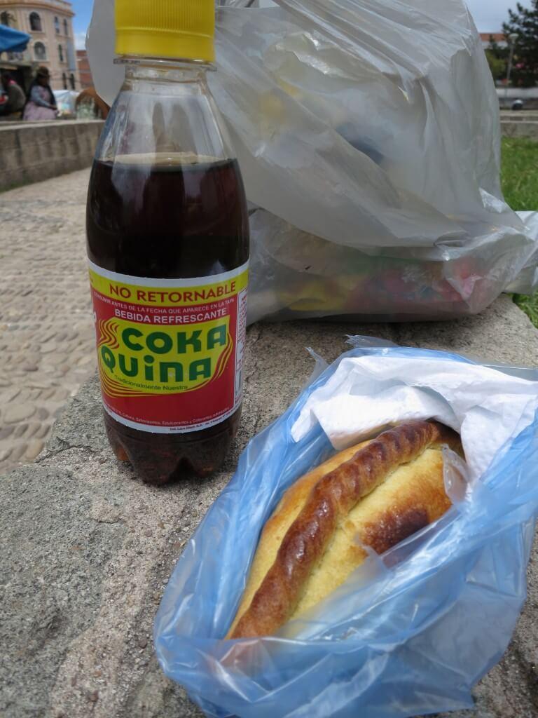 今日のコーラ ボリビアのコーラとサルケーニャ