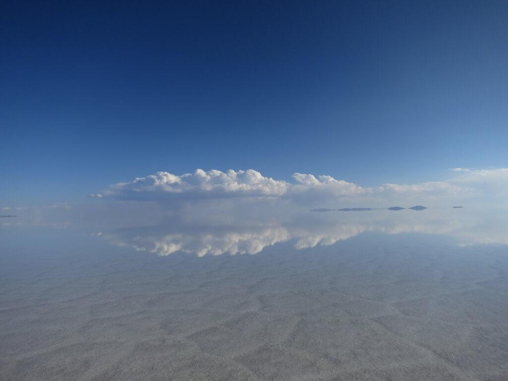 ウユニ塩湖 一面鏡張りの世界