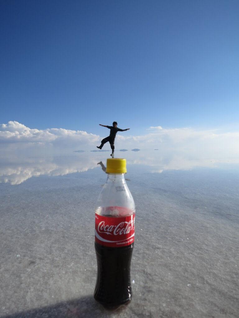 今日のコーラ ウユニ塩湖のコーラとトリック写真
