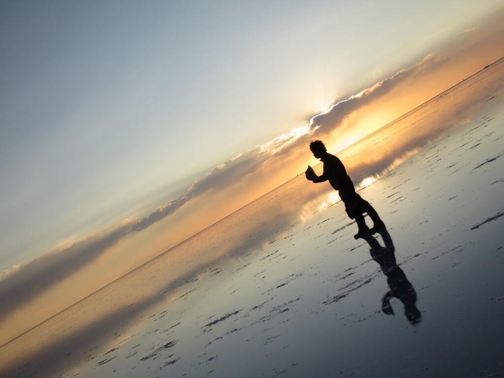 ウユニ塩湖 鏡張り サンセット 世界一周終わりに向けて